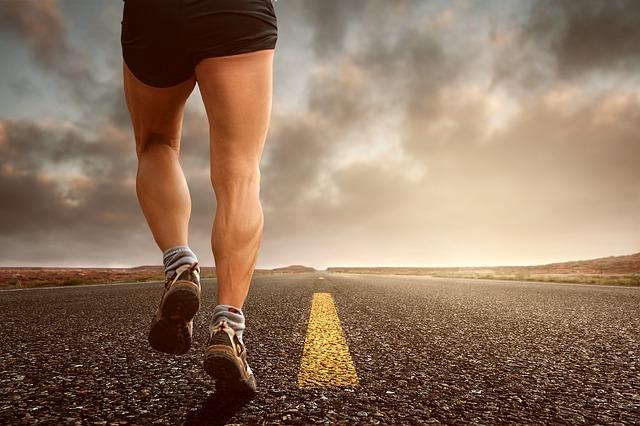 איך ספורט משפיע על הגוף שלנו?